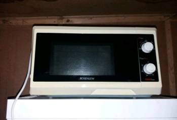 Микроволновая печь Rosenlew, Выборг, цена: 2 000р.