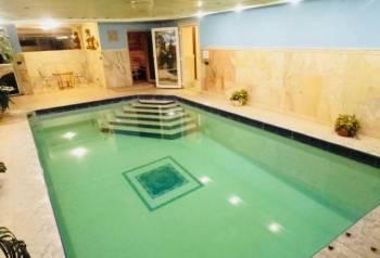 Коттедж 1300 м² на участке 50 сот, Москва, цена: 15 000р.