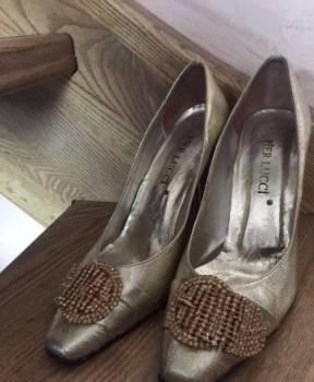 Туфли с красной подошвой фирма, кожаные туфли, Багратионовск, цена: 1 000р.