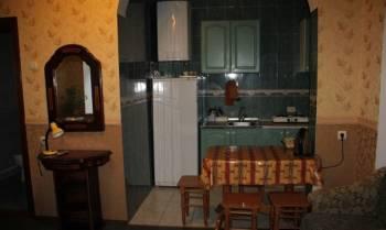 Дом 28. 9 м² на участке 1 сот, Евпатория, цена: 1 600р.