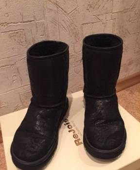 Продам угги натуральная овчина, купить кроссовки на колесиках в интернет магазине, Мурманск, цена: 1 500р.
