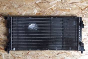 Радиатор охлаждения Шевроле ланос, багажник на рено логан