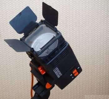 Штатив италия Прожектора 2 шт Unomat LX500GS