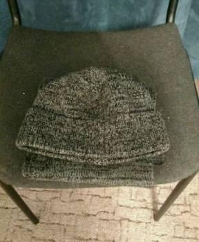 Футболка levis с золотой надписью, шапка зимняя и шарф, Челябинск, цена: 250р.