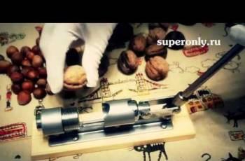 Орехокол - Машинка для колки орехов