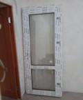 Пластиковая дверь с порогом и замком, Омск