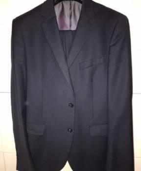 Костюм темный, модные фасоны пальто осень