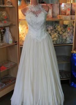 Платья цвета марсала с гипюром, вечернее пышное платье, Тамбов, цена: 3 500р.