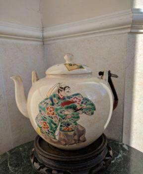 Антикварный чайник, Япония