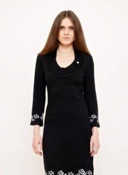 Платье Anna Rachele. Черное с белым орнаментом, женская шапка бини