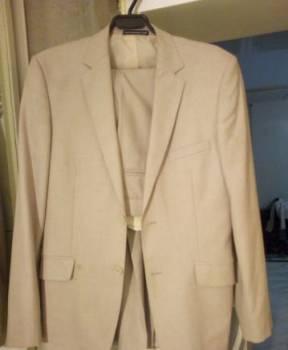 Качественный новый костюм. пиджак брюки, мужская куртка цвета, Астрахань, цена: 1 400р.