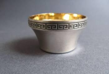 Солонка Меандр серебряная. Серебро 916 пробы