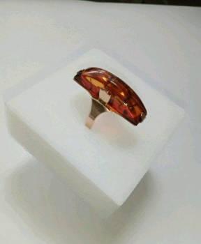 Советское золотое кольцо с янтарём