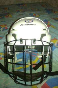 Хоккейный шлем и коньки, Кемерово, цена: 1 300р.