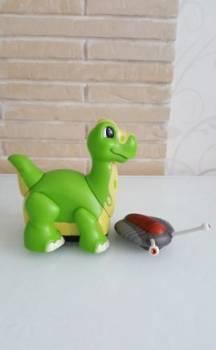 Механический динозавр с пультом управления