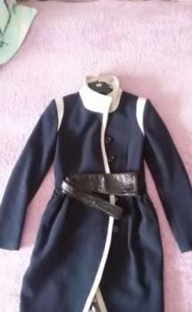 Пальто, платье с цветочным принтом на свадьбу, Йошкар-Ола, цена: 1 000р.