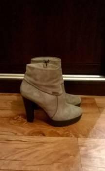 Продам ботинки женские, все кроссовки адидас оригинал, Пермь, цена: 2 500р.