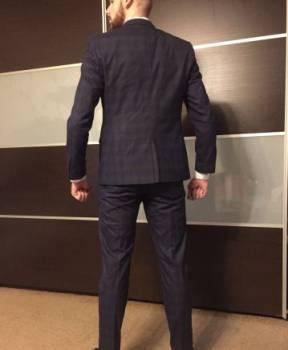 Продам смокинг(мужской костюм), спортивные костюмы billcee купить
