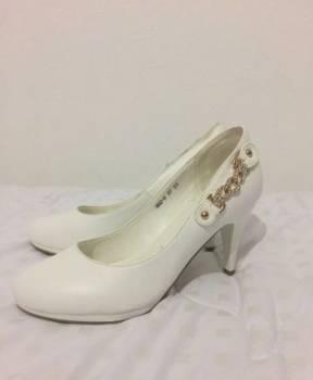 Кроссовки пума женские розовые с бантиком реплика, свадебные туфли, Ярега, цена: 200р.