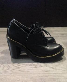 Купить дутики мон ами в интернет магазине, ботильоны ботинки Dr. Martens Мартена новые airwai
