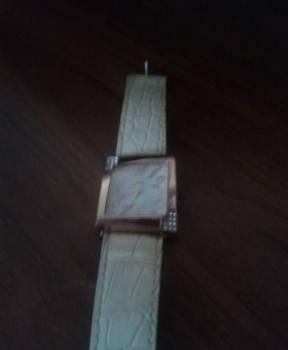 Продам женские часы, Уфа, цена: 100р.