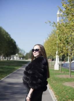 Шерри хилл красное короткое платье, шуба из песца автоледи, Алнаши, цена: 11 350р.