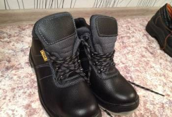 Ботинки мужские(строительные ), куртка emporio armani мужская, Каширское, цена: 1 500р.