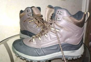 Теплый зимний спортивный костюм мужской, мужские зимние ботинки (состояние новых)