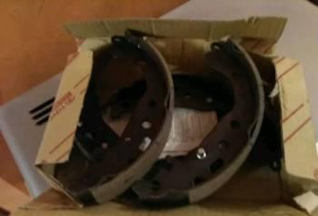 Панели приборов ителма, 04495-52040 Колодки барабанные задние Toyota ориги