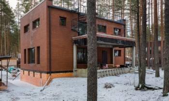 Дом 325 м² на участке 15 сот