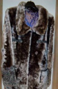 Платья трикотаж лапша, мутоновая шуба с отделкой из каракуля, Бородинский