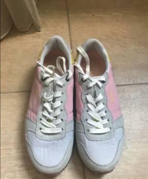 Кроссовки светло-серый/розовый pepe jeans, босоножки на тракторной подошве 41 размер