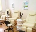 Педикюрное кресло стационарное, белое и бежевое, Саратов
