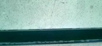 Плинтус пластиковый черный глянец