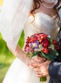 Свадебное платье, магазин шуб из искусственного меха, Казань