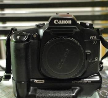 Canon EOS 30 body с батарейным блоком