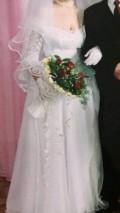 Белое платье с цветами для брюнеток, платье свадебное фата перчатки, Омск