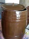 Керамическая емкость для солений, Строитель