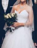 Свадебное платье, шуба из щипанного бобра с капюшоном из норки, Казань