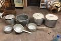 Кастрюля или набор посуды из столовой, Саки