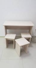 Стол и 3 стула, Высоцкое