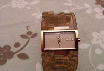 Часы Donna Karan