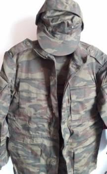 Мужской пуловер с узором из кос, костюм камуфлированный