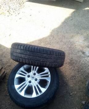 Клей для колес автомобиля, литые диски с резиной