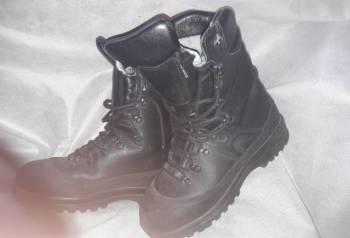 Берцы б/у, мужские ботинки baffin borealis black