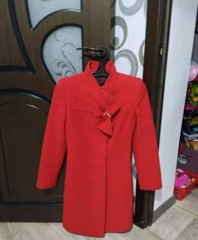 Пальто, одежда для горнолыжного отдыха фирмы