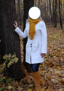 Пальто весенне-осеннее белое, одежда фирмы штайнберг