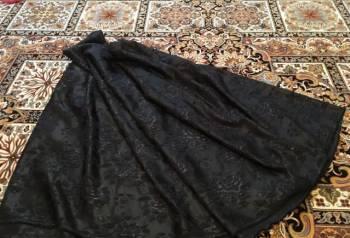 Ткань жаккард 3 метра, белое платье черные сапоги