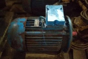 Продам электродвигатель аир 180м2 30квт 3000 об