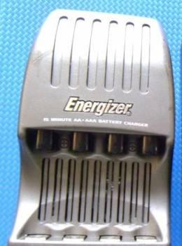 Зарядное усройство Energizer Charger